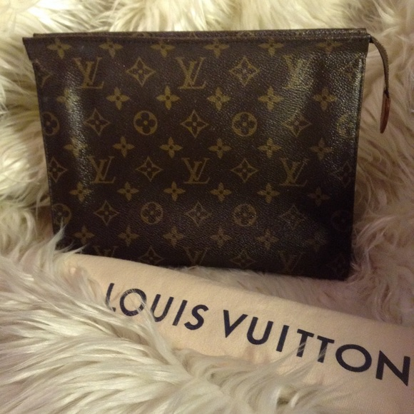 Louis Vuitton Handbags - LOUIS VUITTON. - monogram toiletry bag